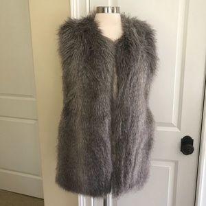 Ann Taylor NEW faux fur vest s m